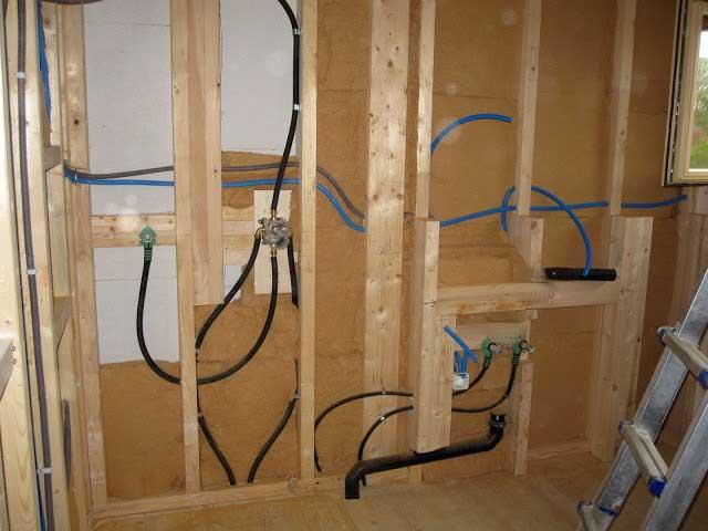 Монтаж электропроводки в каркасном доме своими руками 1