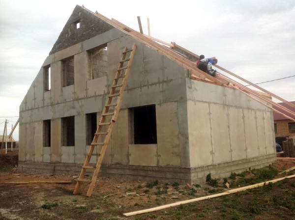 Дом из арболитовых панелей
